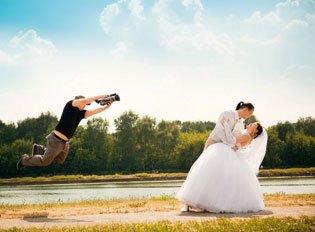 Як вибрати відеооператора на весілля?