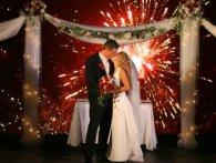 Як організувати видовищний феєрверк на весіллі?