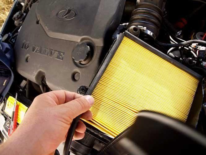 Міняємо повітряний фільтр в автомобілі
