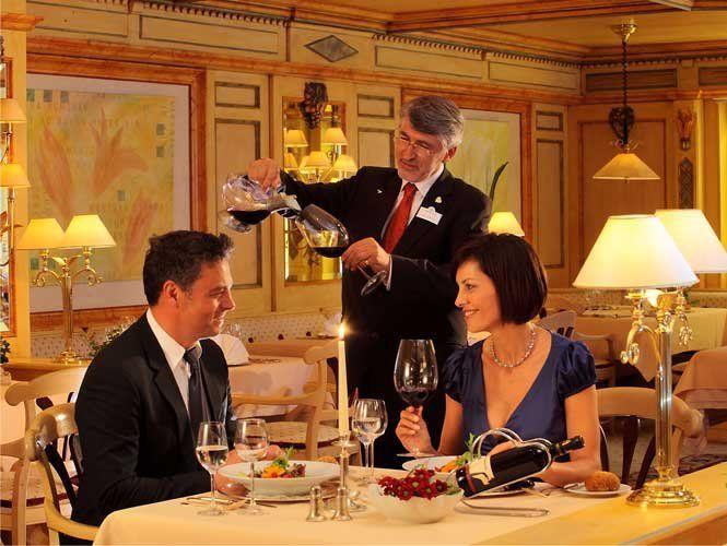 Як поводитися у ресторані – поради для жінок