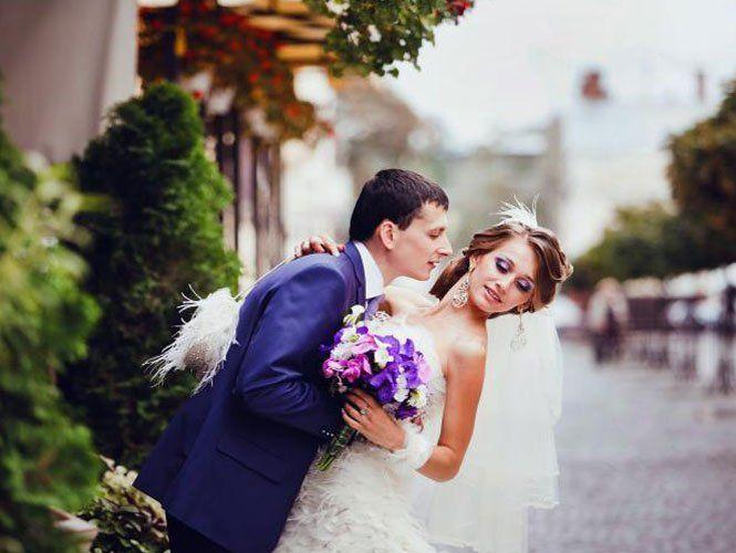 Весільна реєстрація: весілля у фіолетовому кольорі