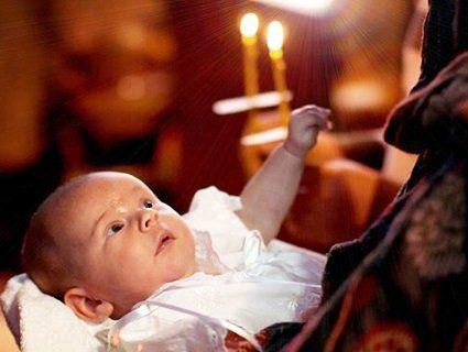 Дітей приносять до церкви на 40 день народження