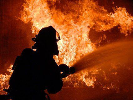 Через пожежу залишились без житла кілька десятків сімей