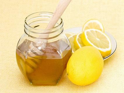 Лікує лимон
