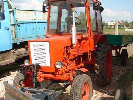 У РФ п'яний чоловік намагався втекти від поліції на тракторі