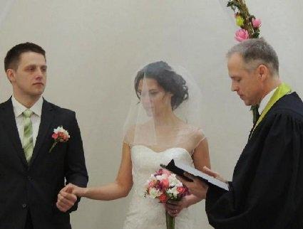 Захистила одностатеві шлюби – відмовили вінчати