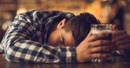 Пити без похмілля. Чому алкоголь по-різному впливає на людей