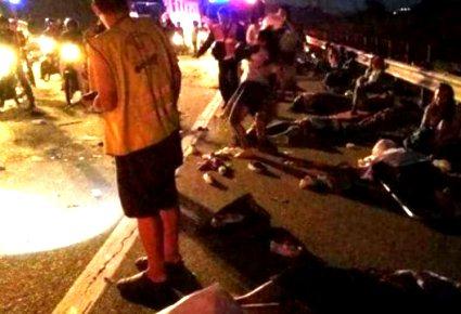 Вісім людей загинуло внаслідок зіткнення двох автобусів
