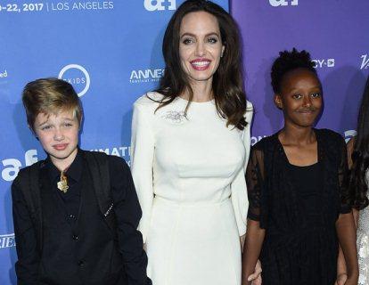 Анджеліна Джолі затьмарила всіх «сукнею нареченої»