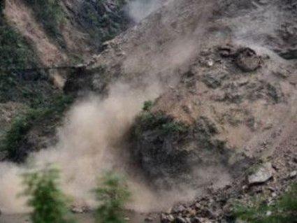 8 дітей загинуло - зсув грунту у Пакистані
