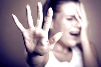 Нахабне зґвалтування: клієнт познущався та обікрав масажистку