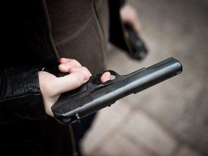 На Одещині чоловік вистрілив знайомому в голову п'ять разів