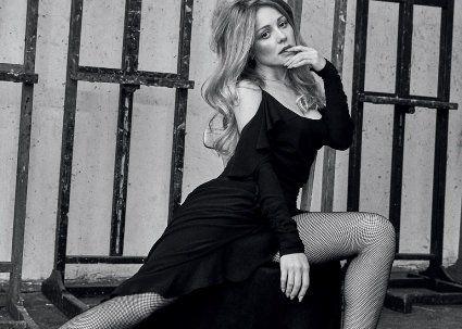 Тіна Кароль стала першою українською зіркою на обкладинці BAZAAR