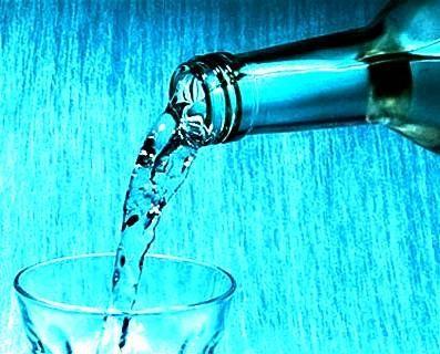 У Луцьку виявили підпільну точку продажу сурогатного алкоголю