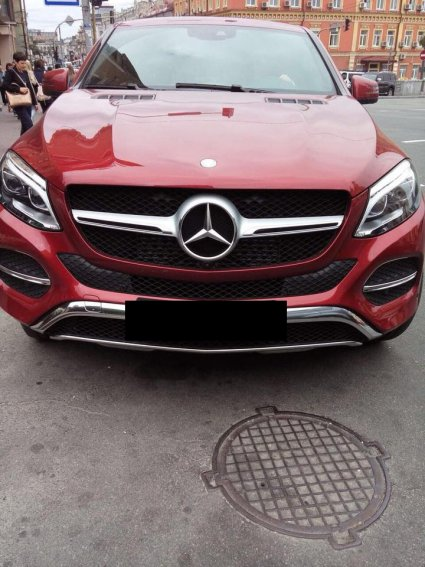 Даша Астаф'єва стала жертвою – викрали улюблене червоненьке авто