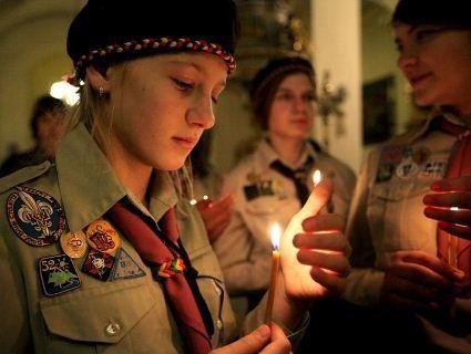 Вифлеємський вогонь миру прибув до України (відео)