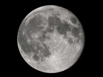 На Місяці знайшли воду?
