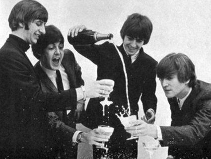 16 січня - всесвітній день The Beatles!