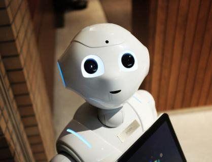 Перший робот-продавець не впорався з роботою в магазині