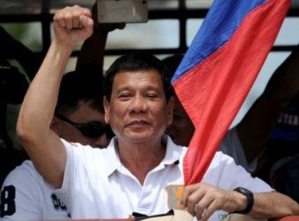 Президент Філіппін закликав військових пристрелити його
