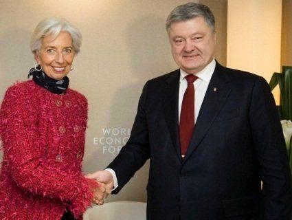 Долар став дешевшати після розмови Порошенка із главою МВФ