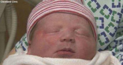 Немовля заговорило відразу після народження