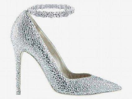Платинові туфлі виставили на аукціон за 300 тисяч доларів
