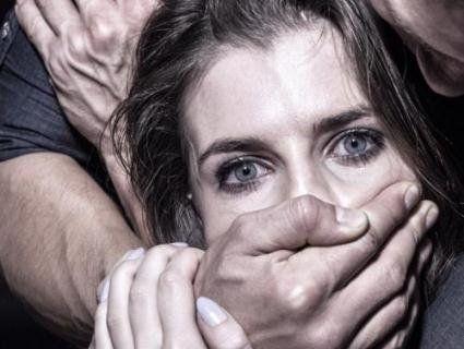 Письменників нагородять за відмову ґвалтувати жінок