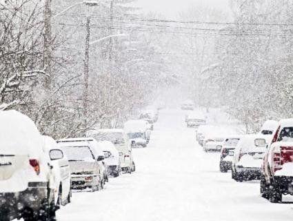 Через снігопади частина доріг в Україні закрита