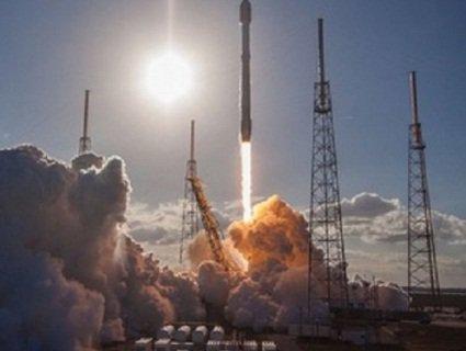 SpaceX знову відклала запуск глобального Інтернету