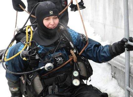 Мати трьох дітей стала першою в історії України жінкою-водолазом