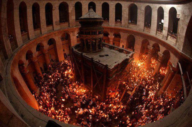 Священик розкрив таємницю Благодатного вогню