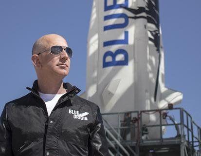 Найбагатша людина світу за свої гроші відправить усіх у космос