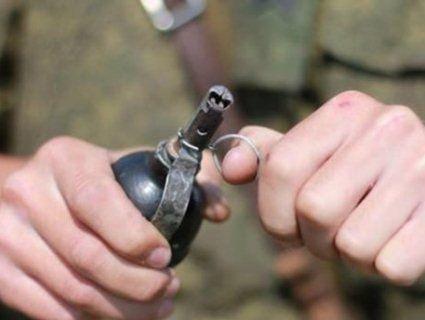 П'ятеро бойовиків підірвалися на ручній гранаті, що вибухнула в кишені одного з них