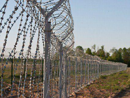 Польща зведе двометровий паркан на кордоні з Україною