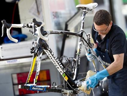 Перевіряємо велосипед перед весняно-літнім сезоном