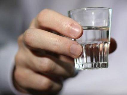 Сотня людей померла, отруївшись нелегальним алкоголем