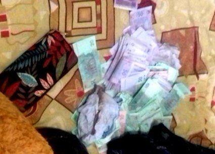 За викрадення у пенсіонерки 150 тисяч гривень зловмисники сядуть на шість років