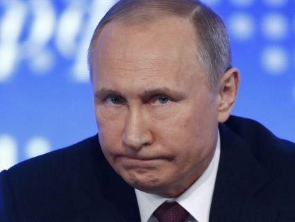 Вперше за п'ять років упав рейтинг Путіна
