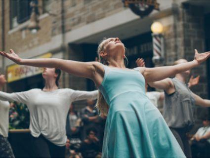 Лучан кличуть на танцювальний флешмоб