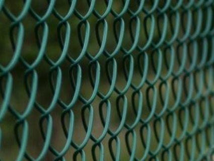 Де у Луцьку демонтують паркани