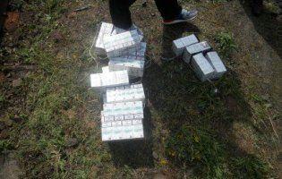 На Волині собака виявив величезну партію контрабандних цигарок (фото)