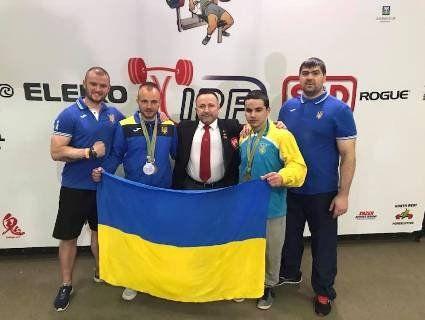 Українські силачі б'ють рекорди та виборюють медалі на чемпіонаті світу (фото)
