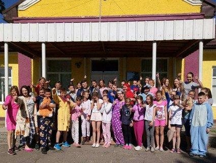На Волині учні та вчителі прийшли на навчання у піжамах (фото)