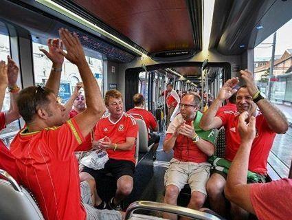 Як возитимуть футбольних фанатів на ЛЧ, щоб уникнути конфліктів