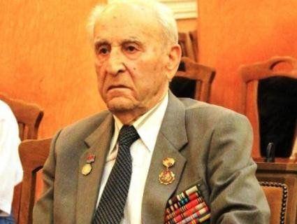 Найстаршому практикуючому лікарю України - 100 років