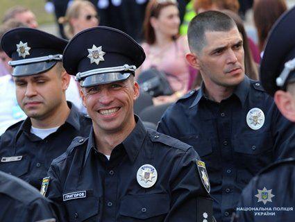 Українська «Поліцейська академія» показала перших випускників