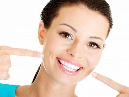 Що таке вініри і як вони дарують красиву посмішку?