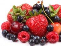 Полуниця, черешня, малина, вишня, смородина: як вживати ягоди з максимальною користю