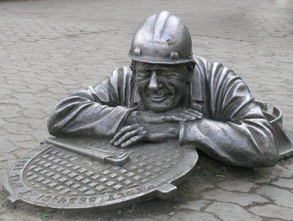У Тернополі зловмисник вкрав каналізаційних люків на 10 тисяч гривень